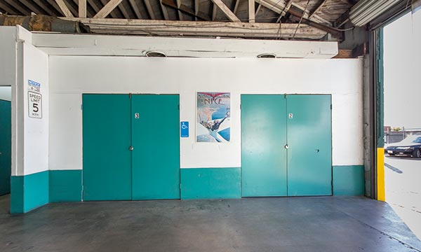 Elevators Amenities for Self Storage in LA