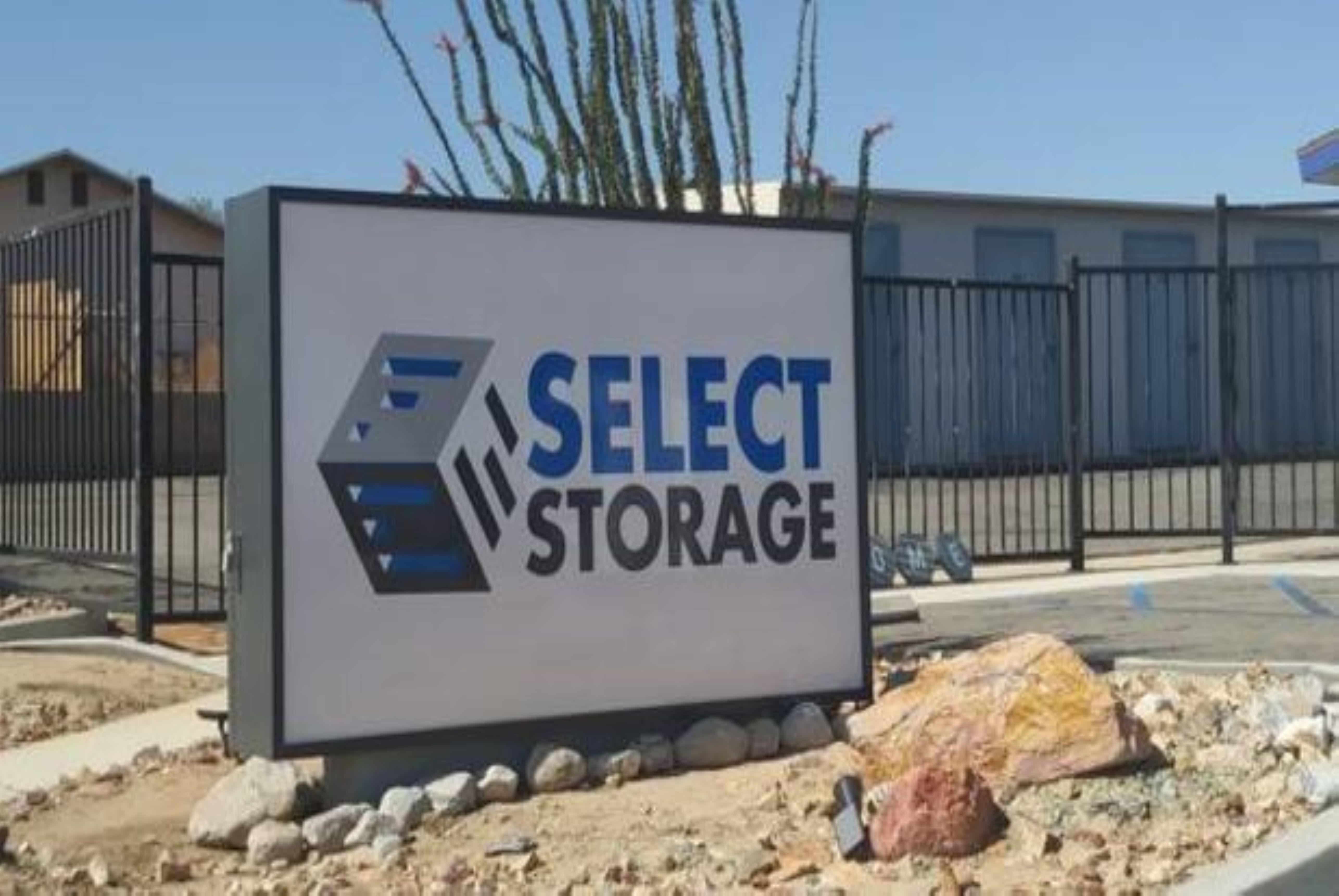 Select Storage Sign in Twentynine Palms, CA