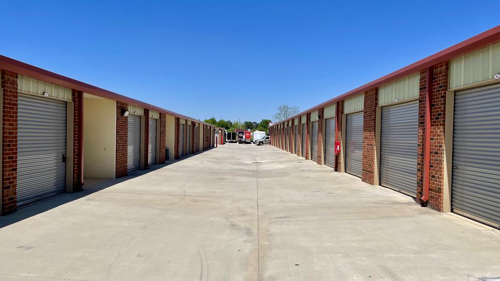 Large Driveways Self Storage McDonough, GA