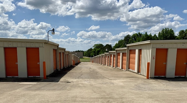Drive up access to storage units in Columbus, GA