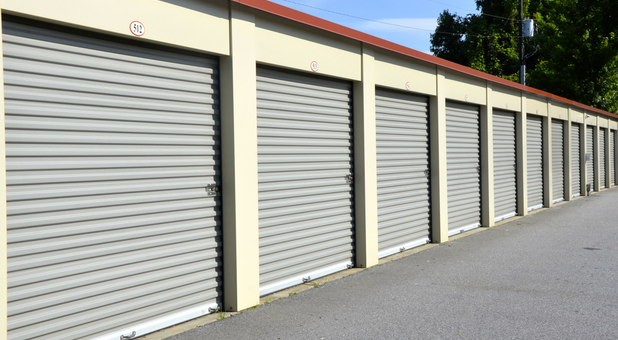 Drive up storage units Hiram, GA