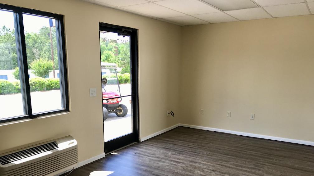 Office interior windows and entrance Storage Xxtra Columbus, GA Veterans Pkwy