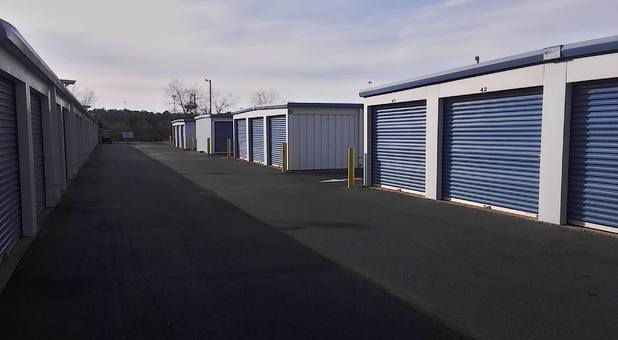 Storage Xxtra Newnan - Self storage drive up units