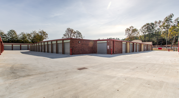 Easy access to all storage units in Tyrone, GA
