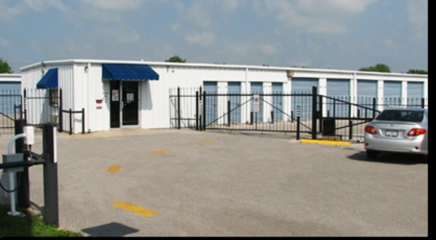 fenced and gated self storage in lawton, ok