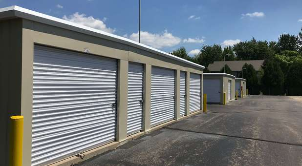 Large outdoor storage units
