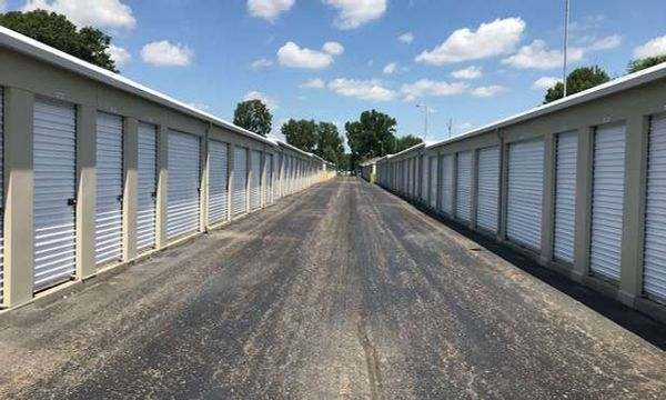 Drive Up accessible storage units at U-Store Self Storage - Holly East