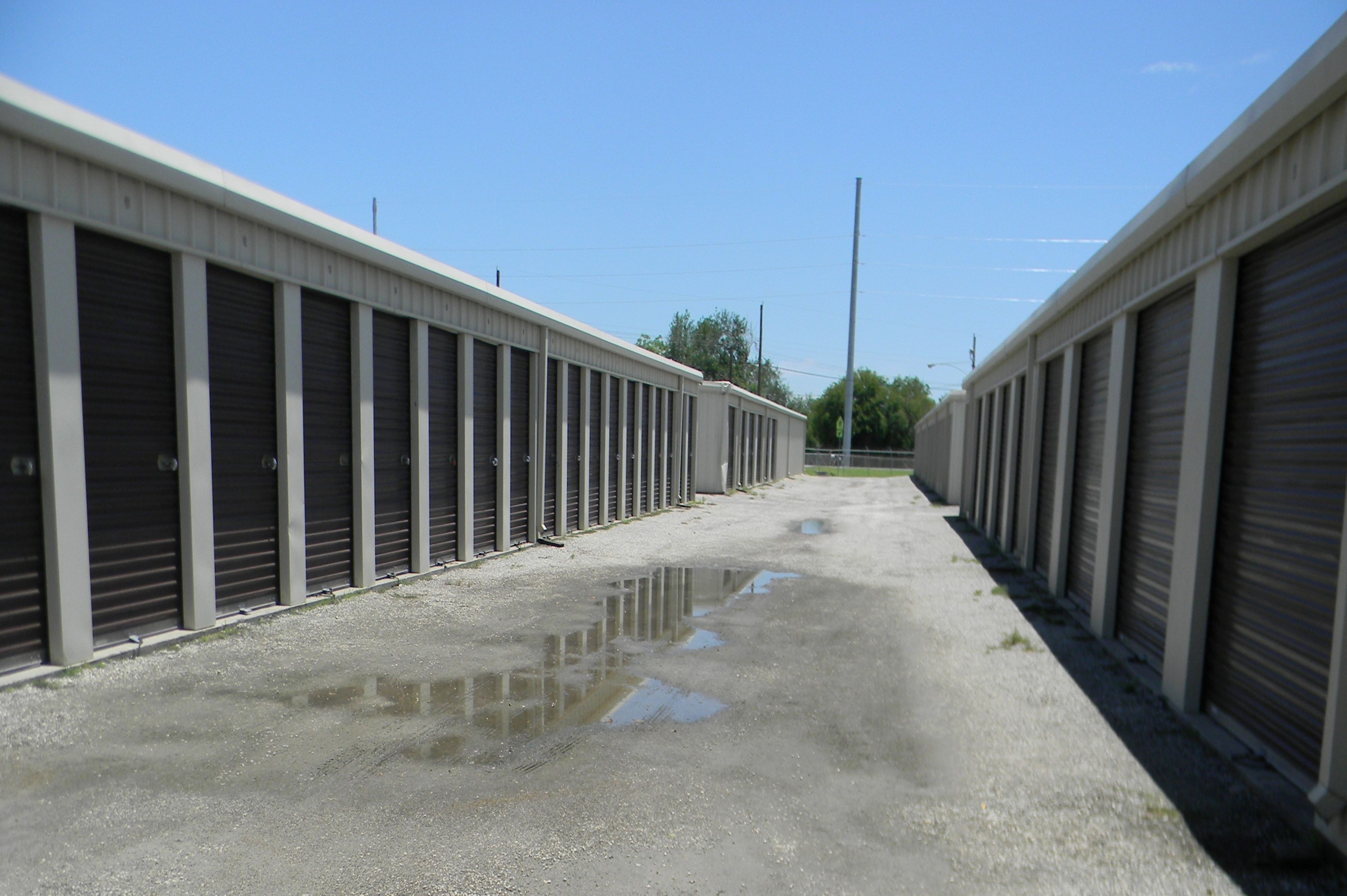 Storage Units in Beeville, TX