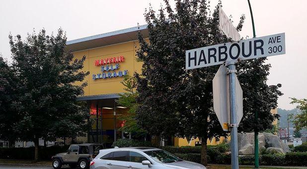 mini mall storage north vancouver