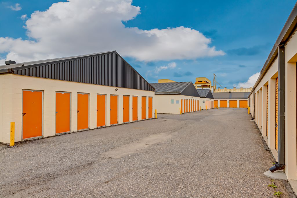 Mini Mall Storage - Calgary -77th Avenue SE