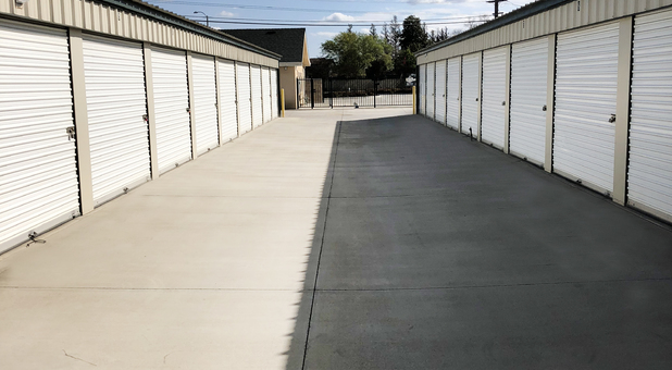 Rows of self storage units in Tulare, CA
