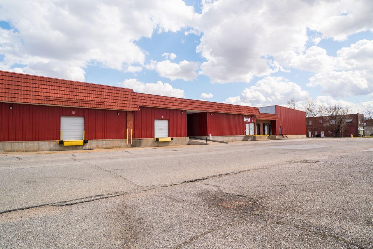 Elm Street Warehousing