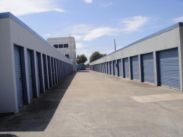 Aisle Storage