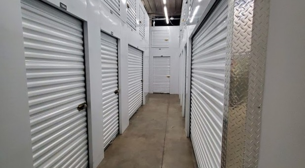 Stash Self Storage Near Me - 39th & Steele