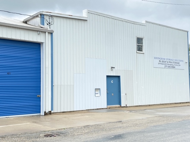 storage unit with large exterior access units