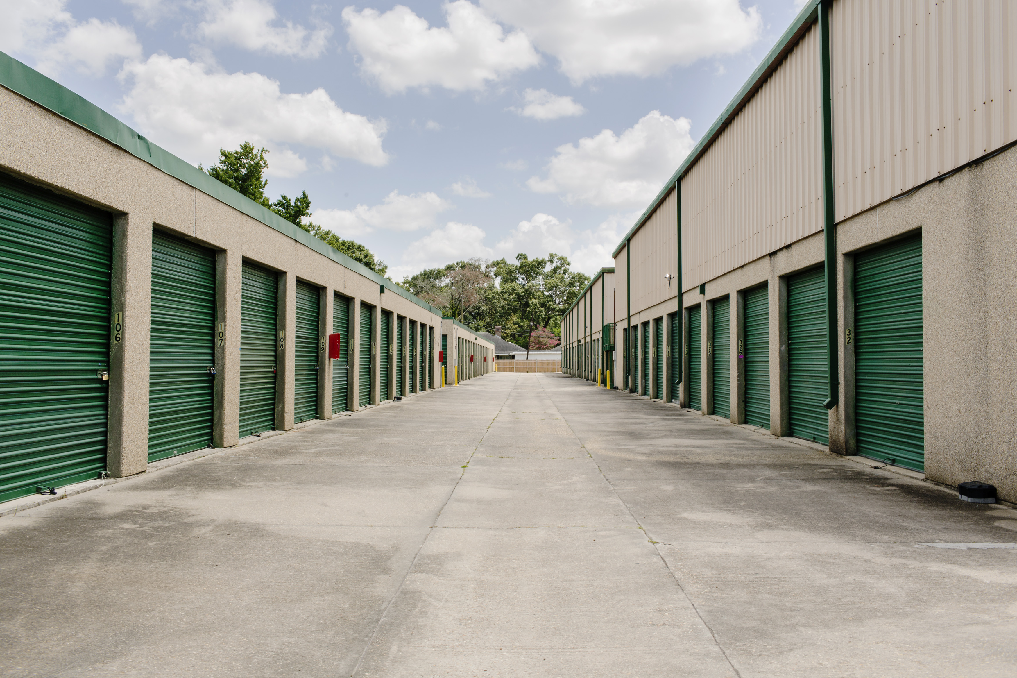 self storage units with drive up access