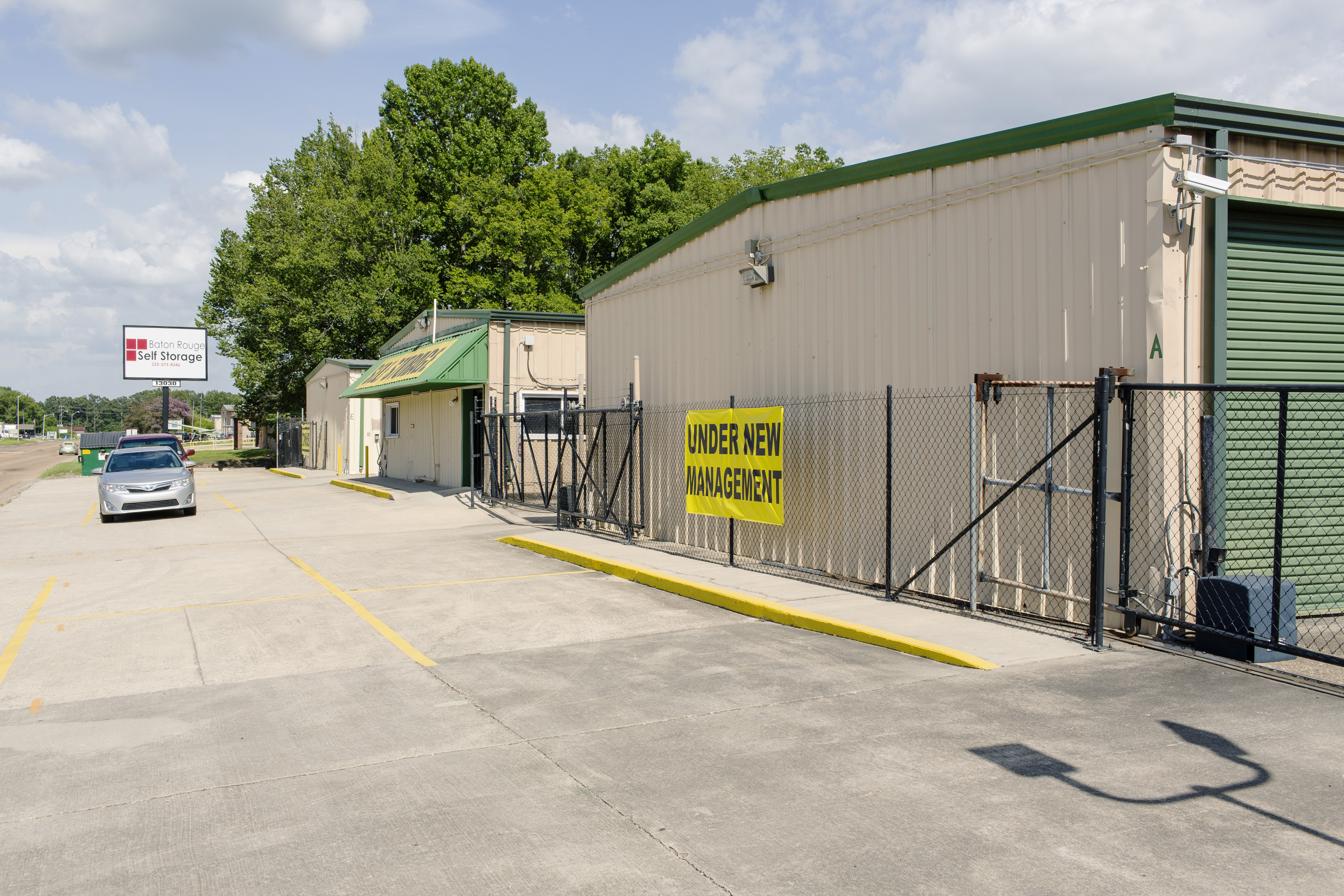front entrance to baton rouge self storage