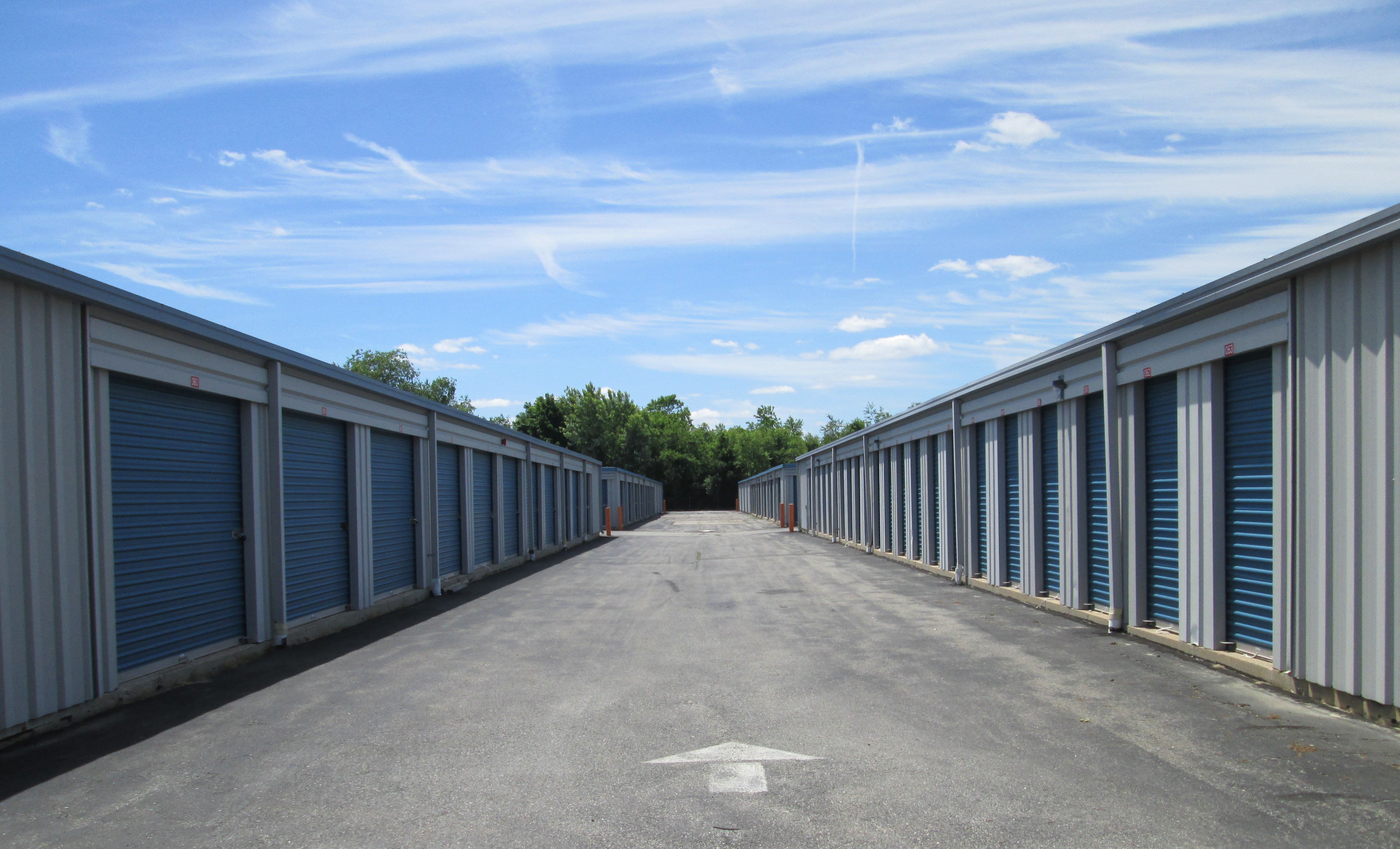 drive up access storage units in Swansea, MA