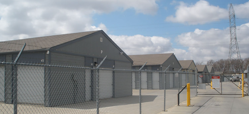 fenced and gated facility, Lincoln, NE