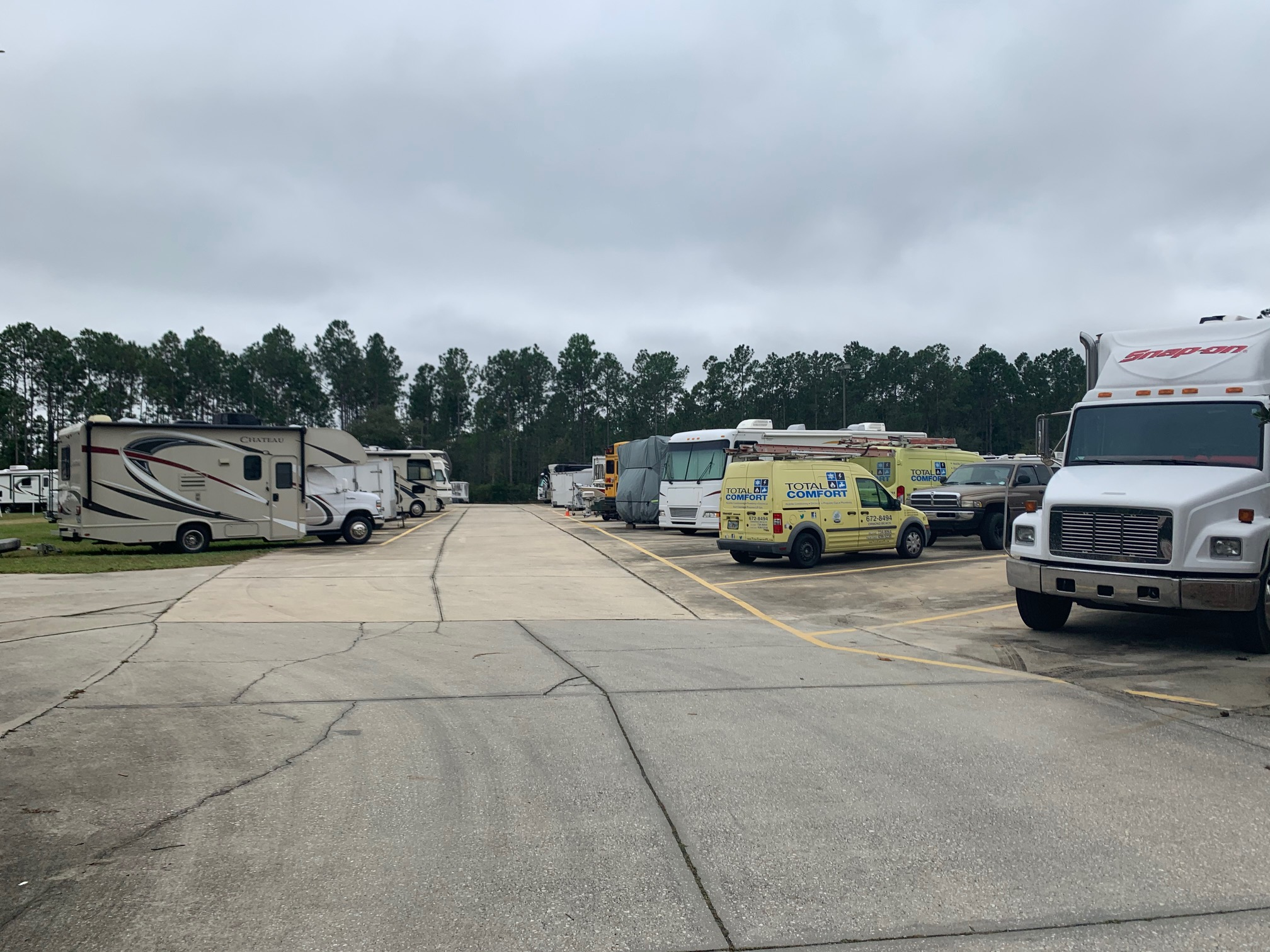 RV and trailer parking in Bunnell, FL