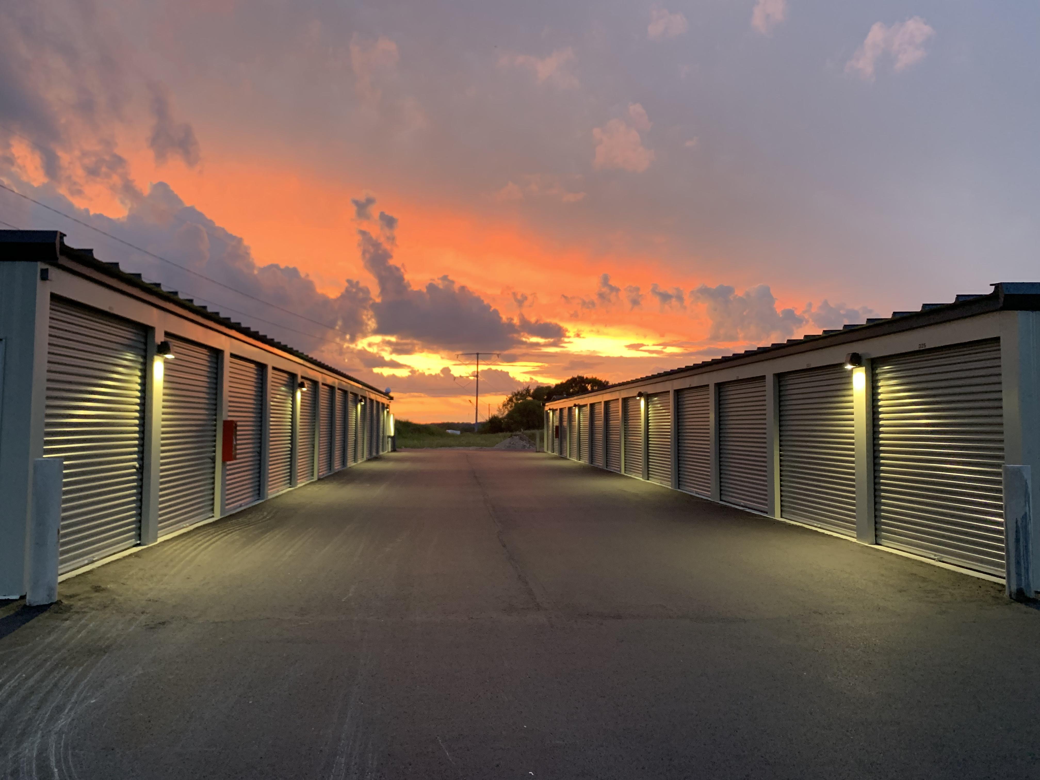 Lakestone Storage