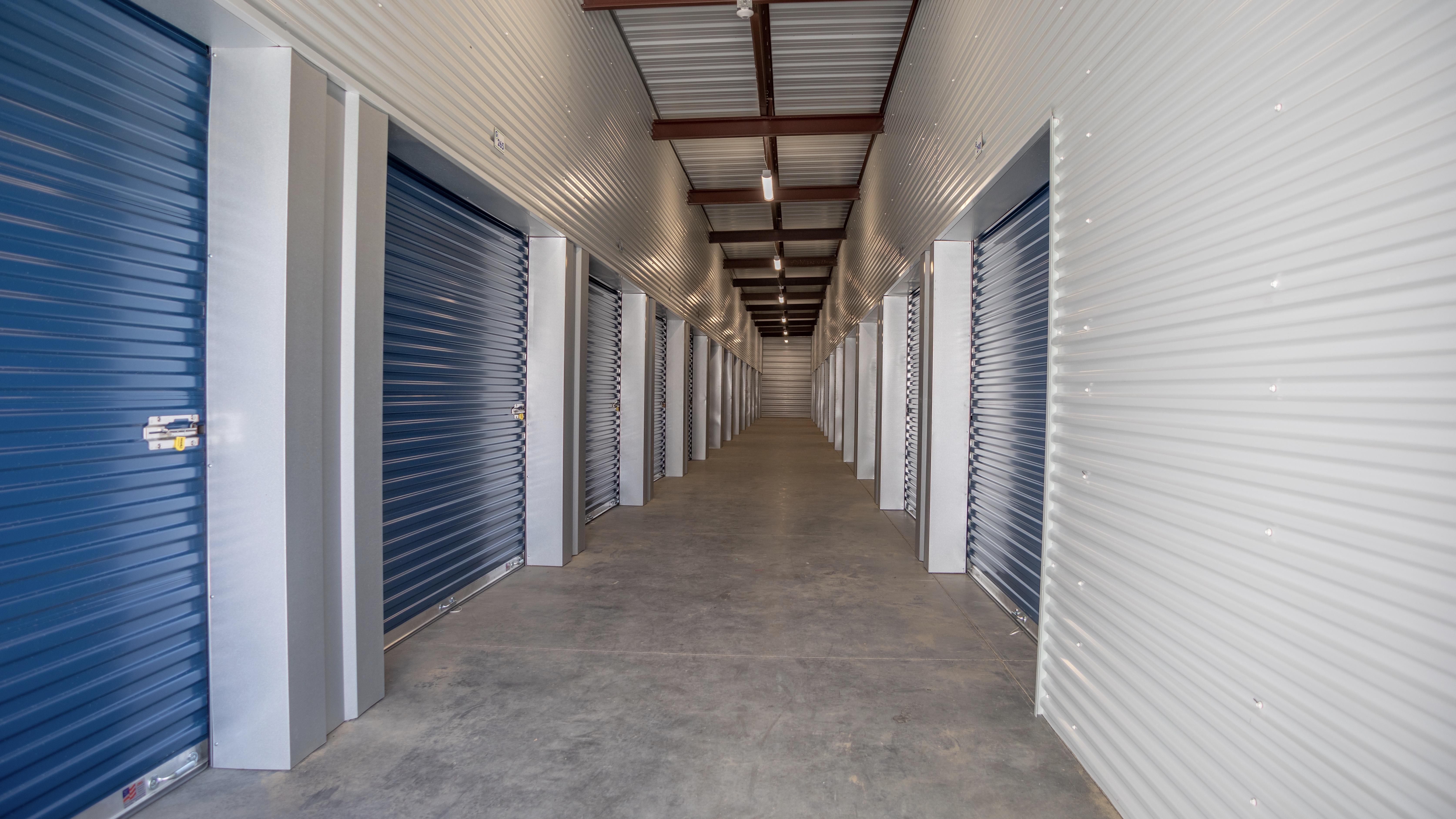 Extra large storage units