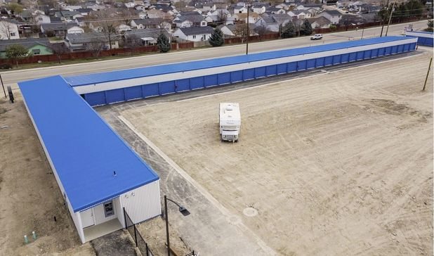drive up storage units at GC Storage on 417 Laster St