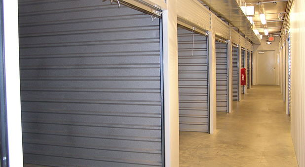 Lumpkin 400 Storage hall with units