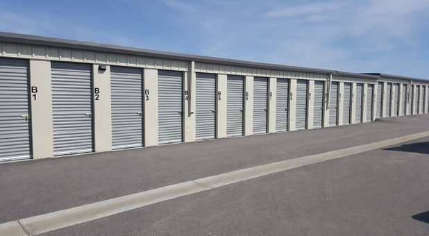 wide driveways for large vehicles or moving trucks