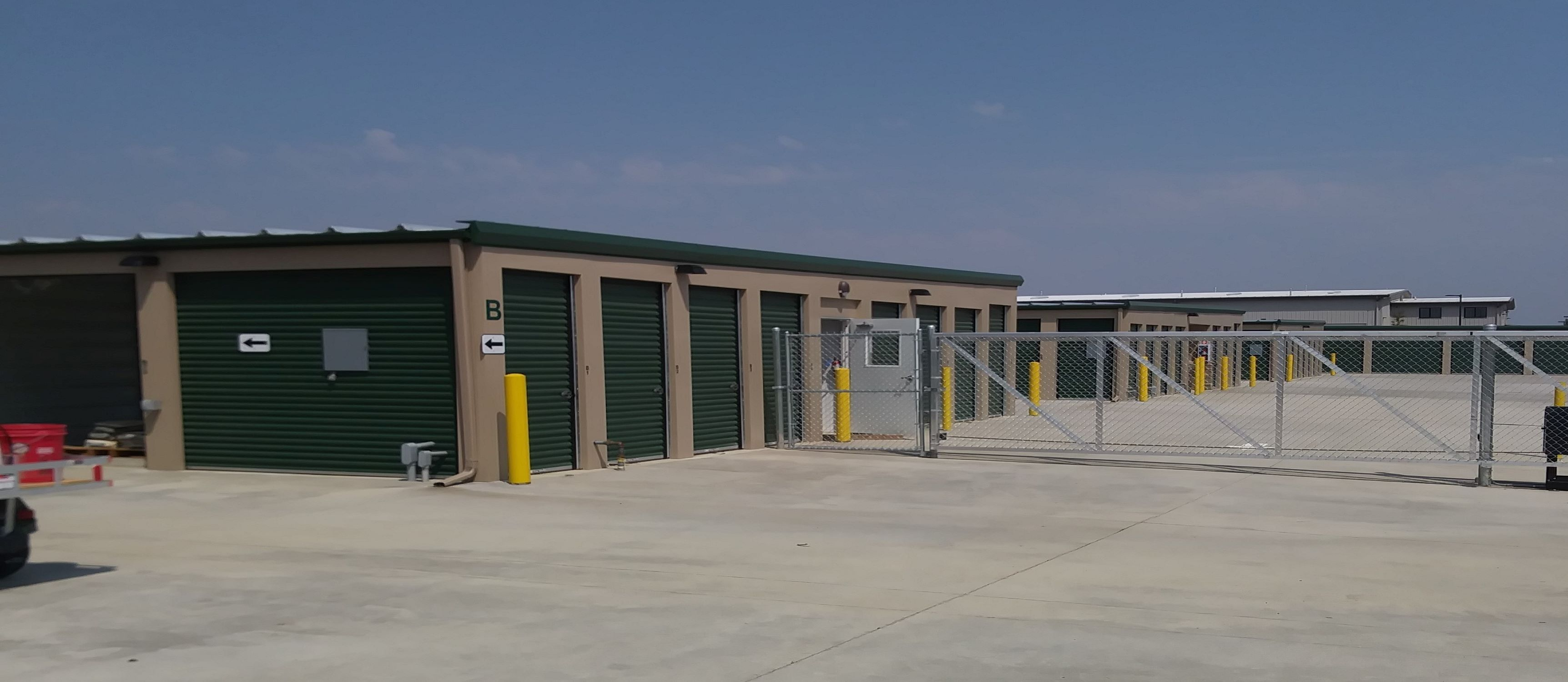 Stor Safe Drive Up Access