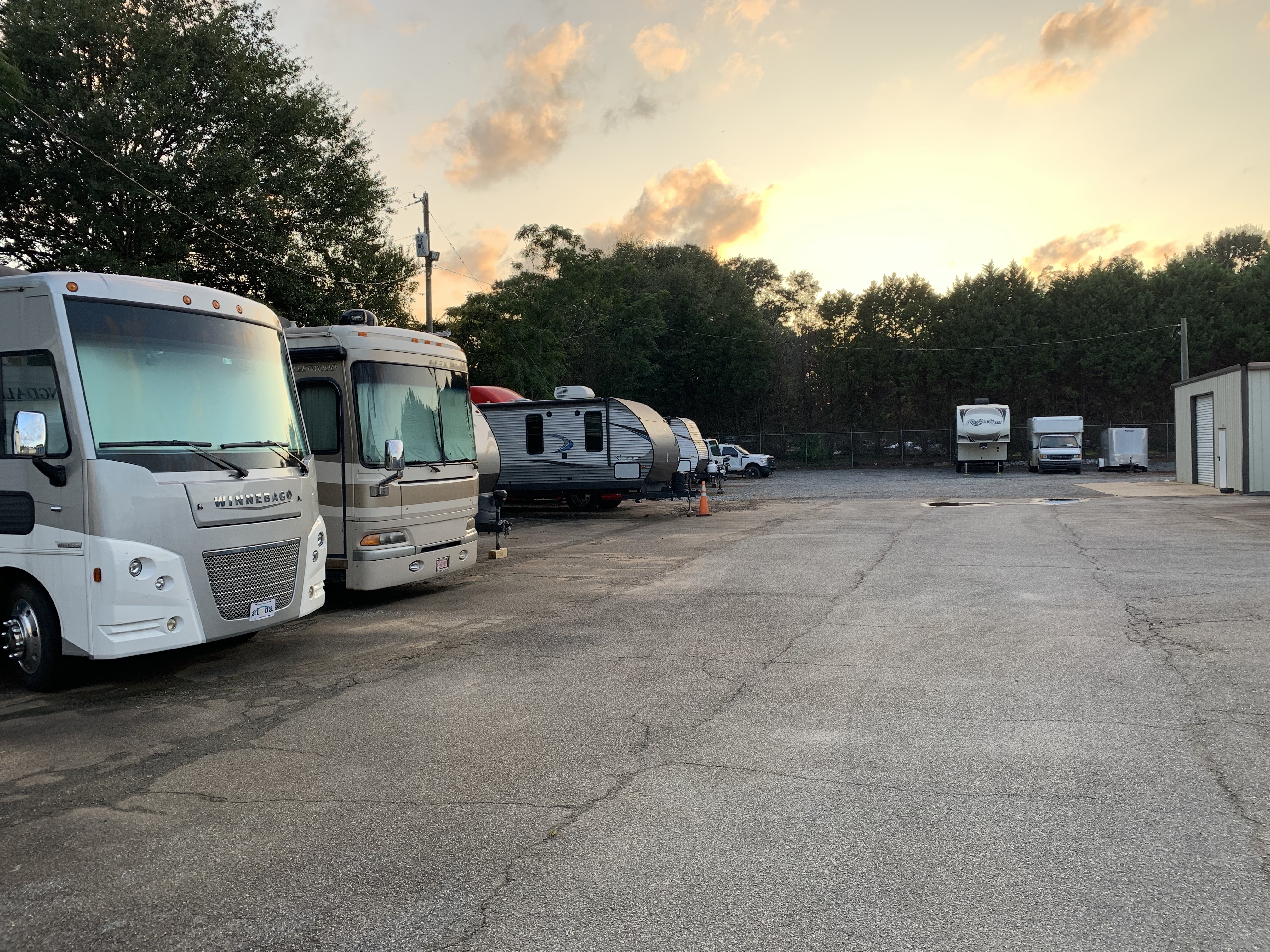 Parking for boats and RVs in Warner Robins, GA