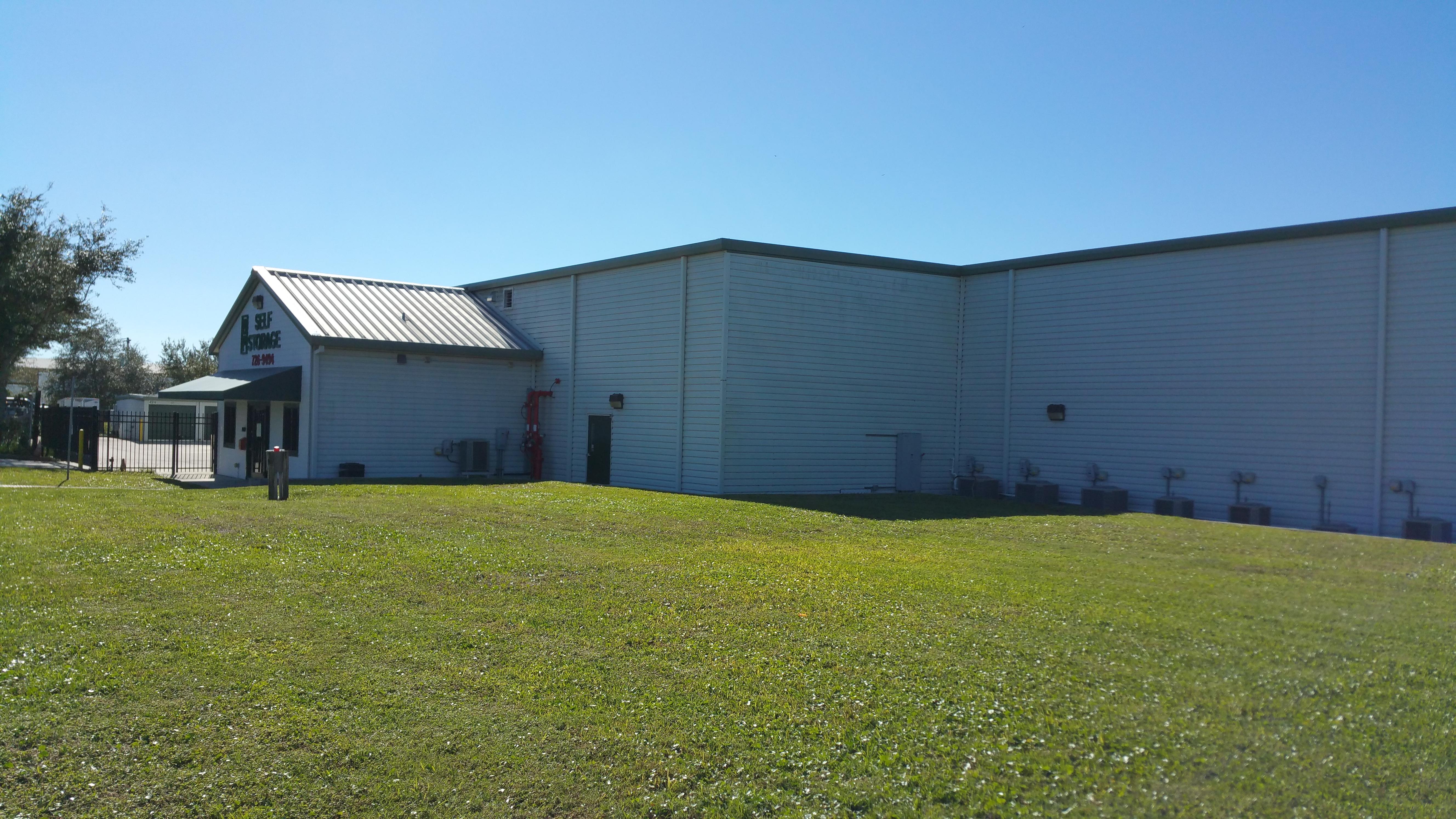 bp self storage building in Palm Bay, FL