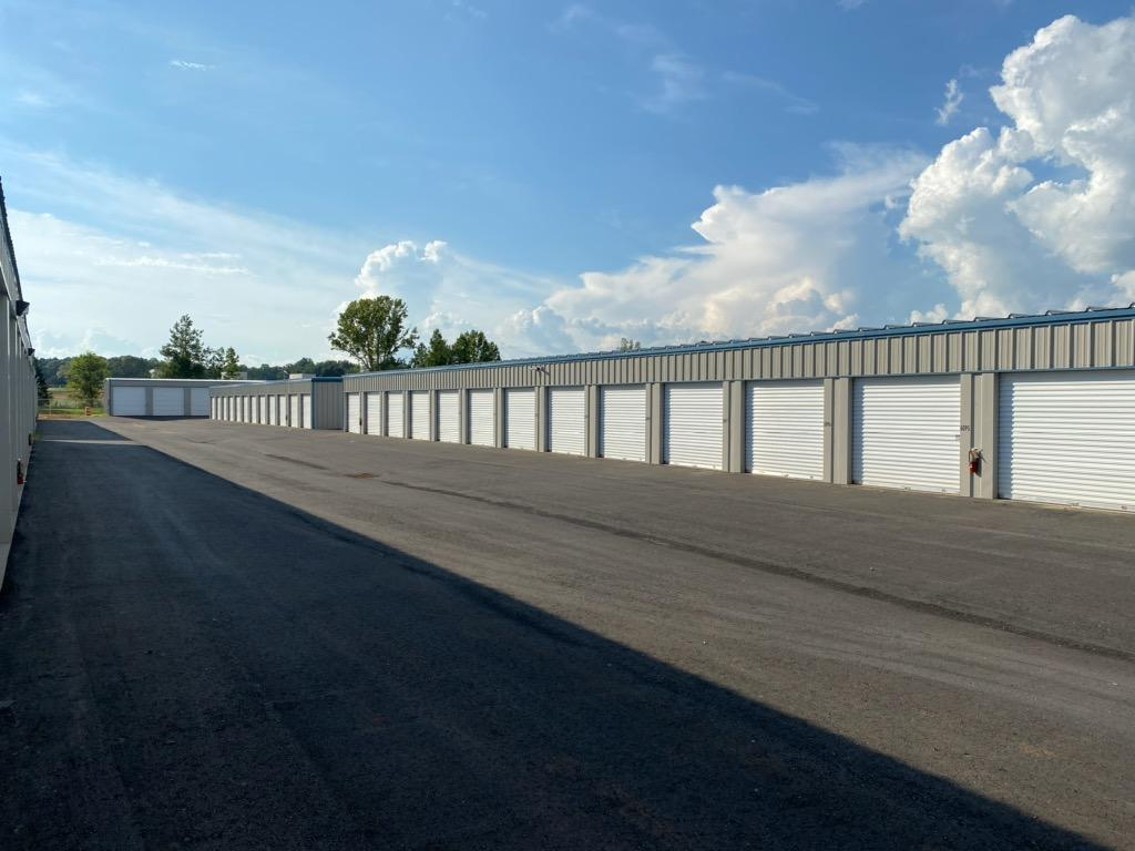 Wide drive aisles for easy trailer and RV access