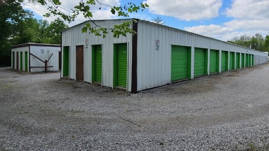 exterior access self storage in carbondale, il