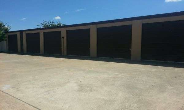 Drive-up self storage units Keller, TX