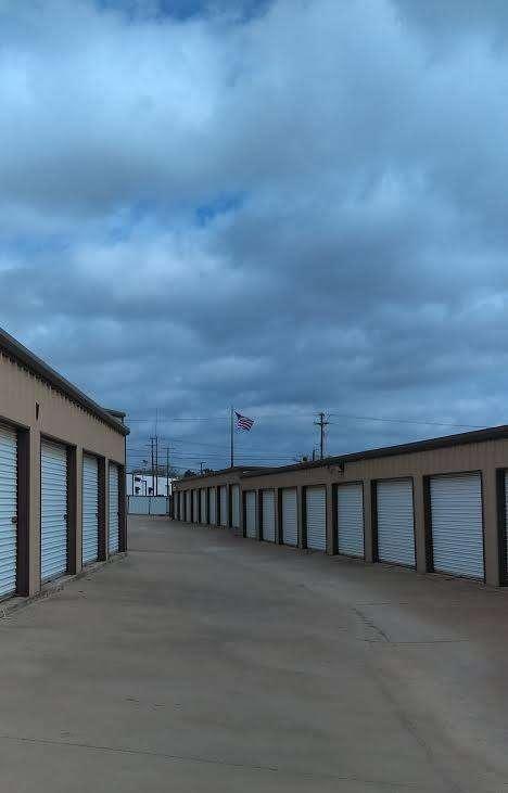Convenient Drive Up Access Storage Units