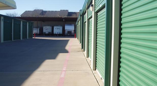 Drive-up self storage Fort Worth, TX