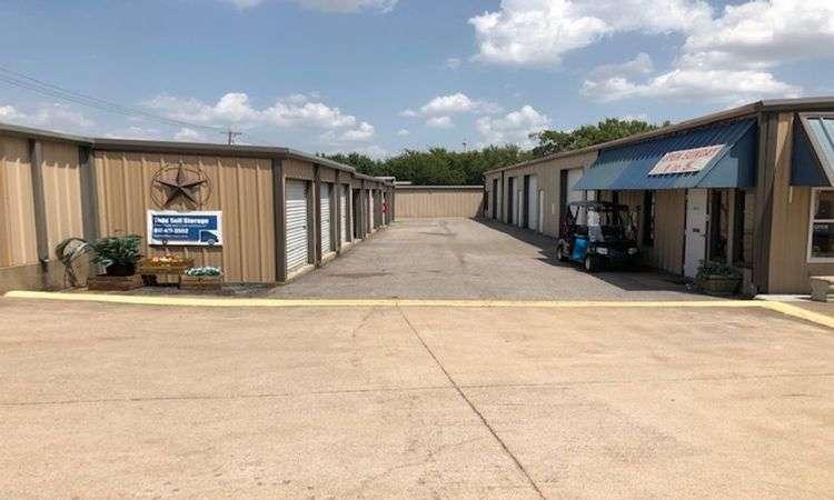 storage units in Mansfield, TX